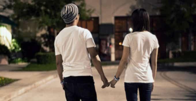 Você está namorando porque quer ou por influência dos outros