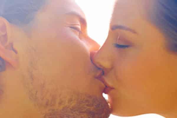 como fazer ele me beijar