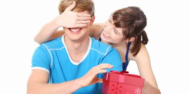 O Que Dar De Presente Para O Namorado Entenda Como Escolher